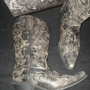 Laredo black and taupe leather western boo…